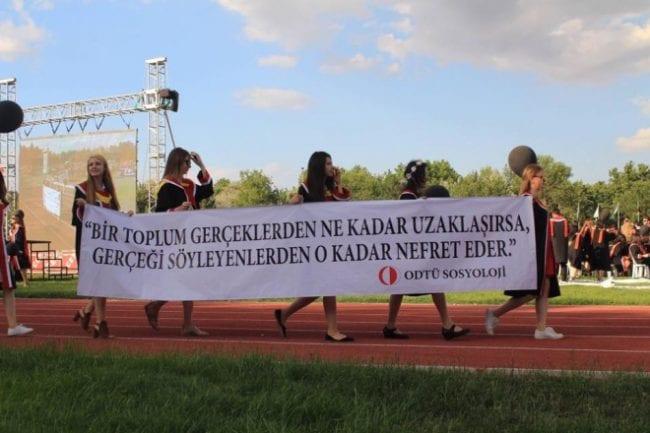 odtu-mezuniyet-toreni-pankart-3